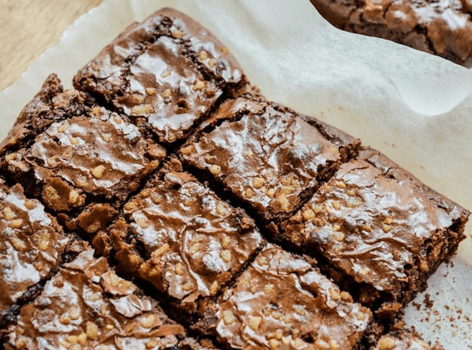 The BEST Thick & Fudgy Brownies