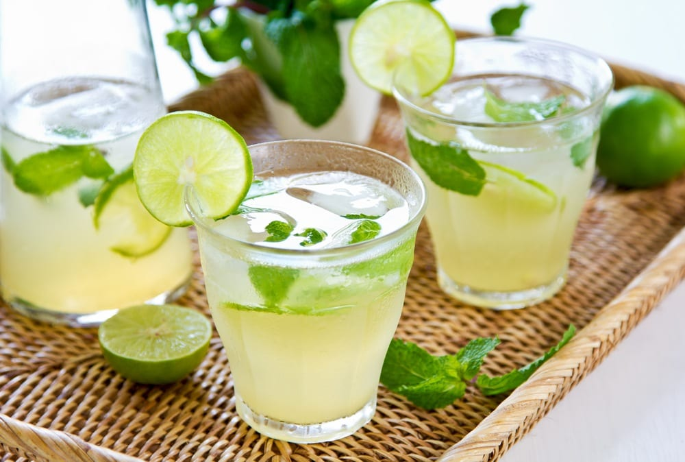 Healthy Mint Julep (Non-Alcoholic) with 8Greens