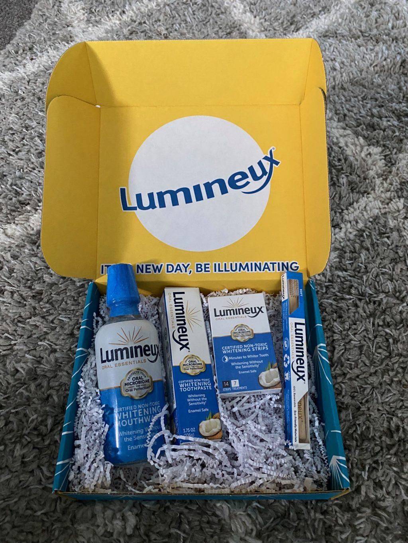 Lumineux Teeth Whitening Kit Review (2021)